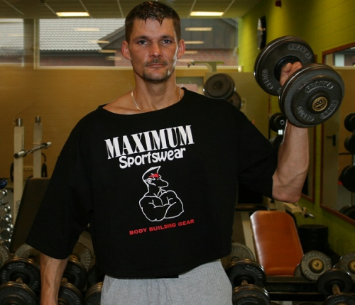 Maximum Big Shirt Bodybuilder