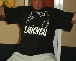 Rag Top mit Frontdruck der Marke T-Micheal